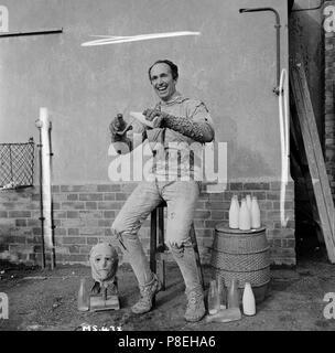 The Mummy's Shroud (1967) Eddie Powell as The Mummy,     Date: 1967 - Stock Photo