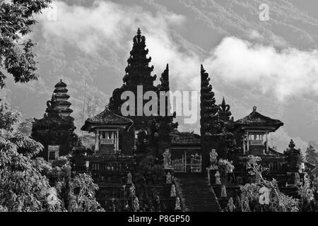 The PURA BESAKIH COMPLEX also known as the Mother Temple is located on the slope of sacred GUNUNG AGUNG, the islands tallest mountain - BALI, INDONESI - Stock Photo