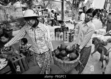 Food is sold at a TRAIN STATION  on route from Pyin U Lwin to Hsipaw - MYANMAR - Stock Photo