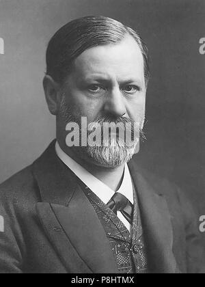 .   522 Sigmund freud um 1905 - Stock Photo