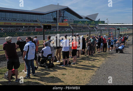 Silverstone Formula One Circuit and general admission spectators, Northamptonshire, West Midlands, England, UK - Stock Photo