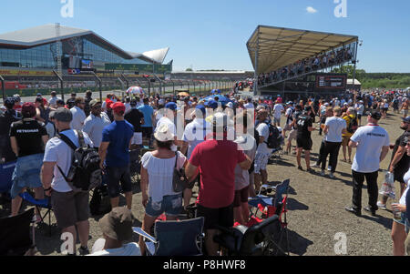 General Admission spectators, at the British Grand Prix, Silverstone Circuit, Towcester, Northamptonshire, England, UK - Stock Photo