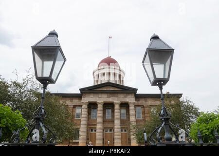 Stately old restored state capitol building in Springfield Illinois - Stock Photo