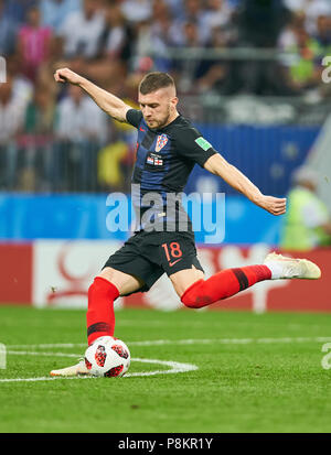 England - Croatia, Soccer, Moscow, July 11, 2018 Ante REBIC, Croatia Nr.18  drives, controls the ball, action, full-size, Single action with ball, full body, whole figure, cutout, single shots, ball treatment, pick-up, header, cut out,  ENGLAND  - CROATIA 1-2 Football FIFA WORLD CUP 2018 RUSSIA, Semifinal, Season 2018/2019,  July 11, 2018 in Moscow, Russia. © Peter Schatz / Alamy Live News - Stock Photo