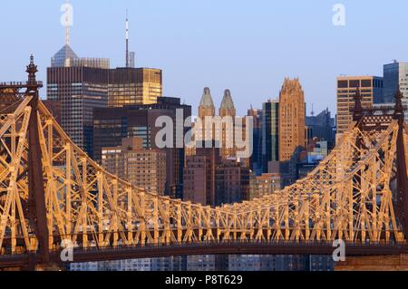 Queensboro Bridge, Manhattan skyline viewed from Queens, New York USA - November 2017 | usage worldwide - Stock Photo