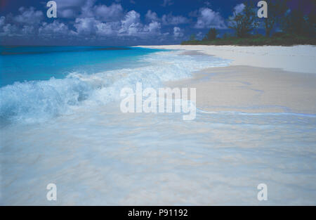 BEACH VIEW ON BIRD ISLAND AND ISLAND VIEW, SEYCHELLES, ISLAND, EAST AFRICA. JUNE 2009. The beautiful islands of the Seychelles in the Indian Ocean off - Stock Photo