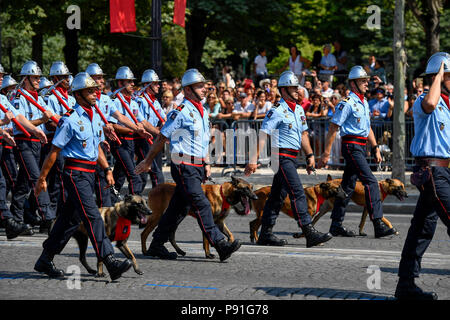 Paris, France. 14th July, 2018. Firefighters march during the annual Bastille Day military parade on the Champs-Elysees Avenue in Paris, France, on July 14, 2018. Credit: Chen Yichen/Xinhua/Alamy Live News - Stock Photo