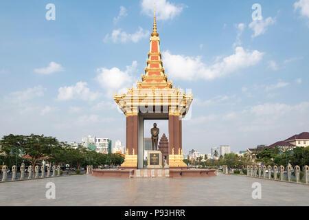 Statue of His Majesty Preah Bat Samdech Preah Norodom SIHANOUK, Phnom Penh, Cambodia - Stock Photo
