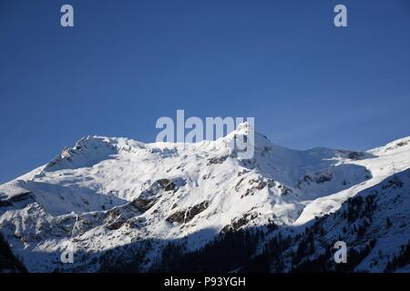 Felbertauern, Winter, Matrei, Osttirol, Alpenhauptkamm, Osttirol, Nationalpark, Hohe Tauern, Schnee, Eis, Januar, kalt, Straße, Srasse, Schneefahrbahn - Stock Photo