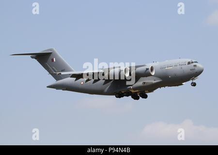 Qatar Emiri Air Force C-17A Globemaster on final approach to RAF Mildenhall in Suffolk, UK on a extremely rare visit. - Stock Photo