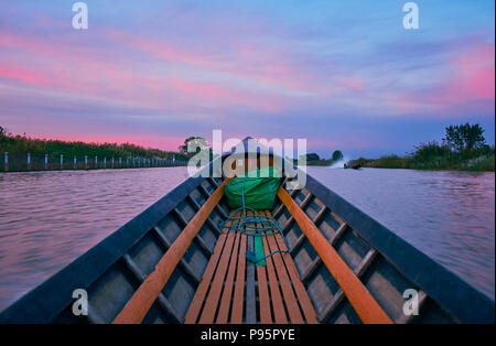 The boat trip along the Nyaungshwe canal, connecting tourist village with Inle Lake, Myanmar. - Stock Photo