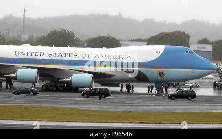 The US presidential convoy arrives at Air Force One at at Prestwick airport in Ayrshire, as US President Donald Trump and his wife Melania will fly out of the airport after spending the weekend at the Trump Turnberry resort, bound for Finland where the US president will hold talks with Russian leader Vladimir Putin in Helsinki, following meetings with Theresa May and the Queen in a whirlwind tour that took place amid mass protests against his policies across the UK. - Stock Photo