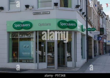 Specsavers opticians shop on the corner of a town centre main street. - Stock Photo