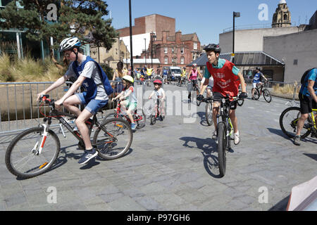 Let's Ride at Sheffield, UK. 15th July 2018. Scenes from today's cycling event in Sheffield organised by HSBC UK and BRITISH CYCLING Credit: Nigel Greenstreet/Alamy Live News - Stock Photo