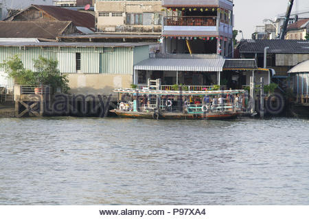 ferry crosing the chaopraya river in bangkok thailand 23 June2018 - Stock Photo