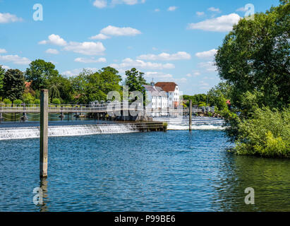 Mill End in Background, Hambleden Lock and Weir, River Thames, Berkshire, England, UK, GB. - Stock Photo