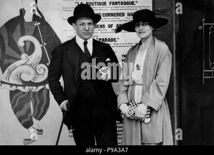 Pablo Picasso and Olga Khokhlova. Museum: PRIVATE COLLECTION. - Stock Photo