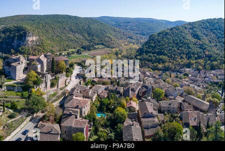 France, Tarn et Garonne, Quercy, Bruniquel, labelled Les Plus Beaux Villages de France (The Most beautiful Villages of France), village built on a roc - Stock Photo