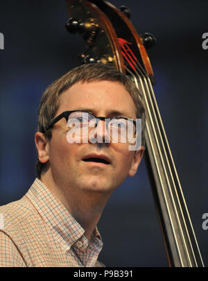 Brno, Czech Republic. 16th July, 2018. Bassist THOMAS MORGAN performs during the concert of Bill Frisell within Bohemia Jazz Fest in Brno, Czech Republic, July 16, 2018. Credit: Igor Zehl/CTK Photo/Alamy Live News - Stock Photo