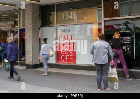 Southport, Merseyside, 17/07/2018. Chapel Street Summer Sales as further high street stores face closure in the seaside town. Market stalls and street traders now seem to dominate the retail landscapes as traditional fashion and discount stores become casualties of high business rates.  Credit: MediaWorldImages/AlamyLiveNews. - Stock Photo