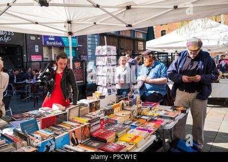 Book stall on the street market at Temple Bar, Dublin, Ireland, Europe - Stock Photo