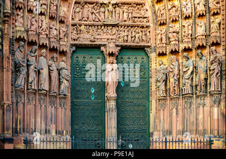 Strasbourg, Notre-Dame gothic cathedral 14th century, jamb statues of the Prophets of the Old Testament at main portal, Alsace, France, Europe, - Stock Photo