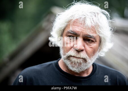 Russia. 18th July, 2018. TULA REGION, RUSSIA - JULY 18, 2018: Film director Maxim Mardukhayev, a great-great-grandson of Russian writer Leo Tolstoy, at the Yasnaya Polyana museum-estate in the Tula Region, where his descendants and relatives gather from all over the world ahead of his 190th birthday. Sergei Bobylev/TASS Credit: ITAR-TASS News Agency/Alamy Live News - Stock Photo