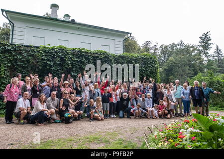 Russia. 18th July, 2018. TULA REGION, RUSSIA - JULY 18, 2018: Descendants and relatives of Russian writer Leo Tolstoy pose at the Yasnaya Polyana museum-estate in the Tula Region, where they gather from all over the world ahead of his 190th birthday. Sergei Bobylev/TASS Credit: ITAR-TASS News Agency/Alamy Live News - Stock Photo