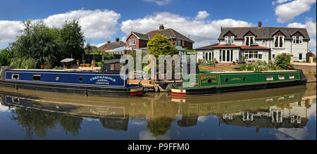 Trent and Mersey Canal, Anderton, Northwich, Cheshire Ring, North West England, UK - Narrowboat, Barge - Stock Photo
