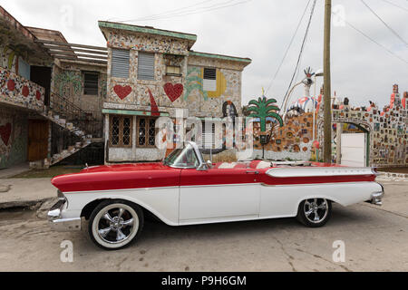 Classic American car being used as a taxi, locally known as almendrones, Havana, Cuba. - Stock Photo