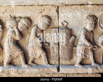 Decoration of the frieze of an impost in the cloister of the Cathedral of Girona, representing 'W… - Stock Photo