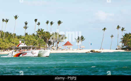 Cayo Levantado, excursion boat in the bay of Samaná, province Samaná, Dominican Republic - Stock Photo