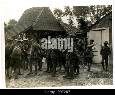 248 British and Indian officers 9th Gurkhas at their Headquarters (Photo 24-60) - Stock Photo