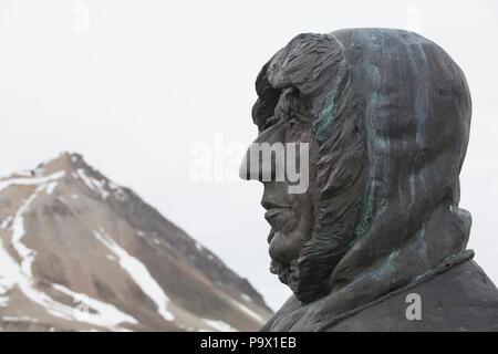 Statue of Roald Amundsen at Ny-Ålesund, Svalbard - Stock Photo