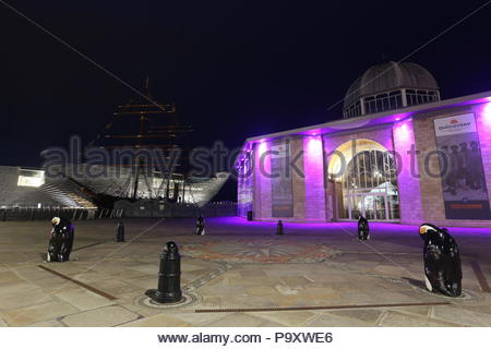 V&A Design Museum and RRS Discovery by night Dundee Scotland  July 2018 - Stock Photo