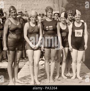 628 Ethelda Bleibtrey, Violet Walrond, Jane Gylling, Irene Guest, Frances Schroth, Constance Jeans 1920 - Stock Photo