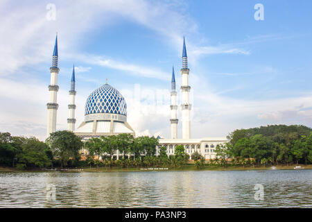 The Sultan Salahuddin Abdul Aziz Shah Mosque (Blue Mosque) in Shah Alam, is the largest in Malaysia, landmark of the state. The architectural design i Stock Photo