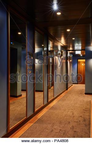 Interior view. Indigo Hotel, Leicester Square, London, United Kingdom. Architect: Michaelis Boyd Associates Ltd, 2018. - Stock Photo