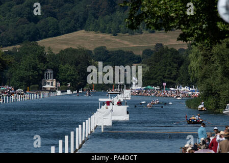 Henley on Thames, United Kingdom, 8th July 2018, Sunday, View, down the Rowing course towards 'Temple Island',  'Heat Haze' 'Fifth day', of the annual - Stock Photo