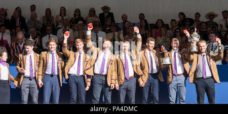 Henley on Thames, United Kingdom, 8th July 2018, Sunday, Winners, 'The Temple Challenge Cup', 'University of Washington' ,  'Fifth day', of the annual - Stock Photo