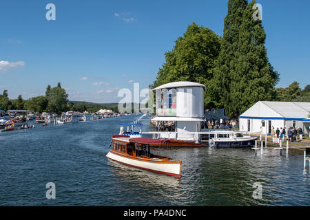Henley on Thames, United Kingdom, 8th July 2018, Sunday, View,  'The Genevieve', 'Beaver Stern Saloon Launch', manovering' 'at the side of the Floatin - Stock Photo