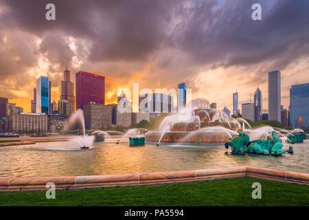 Chicago, Illinois, USA skyline from Buckingham Fountain at dusk. - Stock Photo