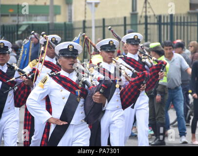 Bogota, Colombia.20 July 2018, Bogota, Colombia - Navy bagpipes at the Colombian Independence Day military parade, a tradition passed down from the British soldiers that faught for Colombia's independence Credit: James Wagstaff/Alamy Live News - Stock Photo