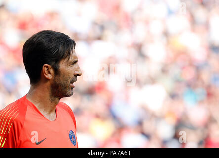 21 July 2018, Austria, Klagenfurt - Soccer: International Champions Cup, FC Bayern Munich vs Paris Saint-Germain in the Woerthersee Stadium: PSG goalkeeper Gianluigi Buffon. Photo: Erwin Scheriau/dpa - Stock Photo