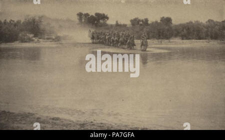 74 8th Cavalry Regiment Crossing Rio Grande - 1919 Munceys Mag - Stock Photo