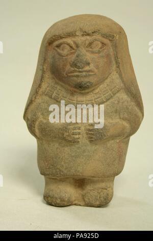 Standing Ceramic Figure. Culture: Moche. Dimensions: H x W: 4 5/8 x 3in. (11.7 x 7.6cm). Date: 3rd-5th century. Museum: Metropolitan Museum of Art, New York, USA. - Stock Photo
