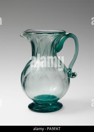 Cream pitcher. Culture: American. Dimensions: H. 5 5/8 in. (14.3 cm). Date: 1820-45. Museum: Metropolitan Museum of Art, New York, USA. - Stock Photo