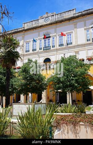 Front view of the town hall (Camara Municipal) and Municipal Park (Praca do Municipio), Silves, Portugal, Europe. - Stock Photo