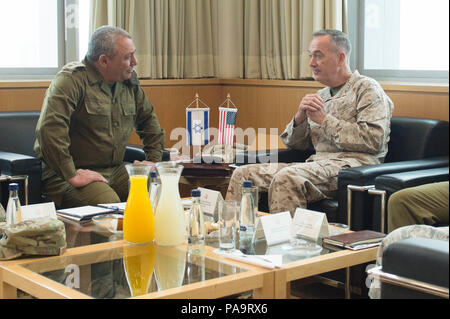 Israeli Chief of General Staff, Lt. Gben. Gads Eisenkot, and U.S. Chairman of the Joint Chiefs of Staff, Marine Gen. Joseph F. Dunford Jr., meet at the Ministry of Defense in Tel Aviv, Israel, March 3, 2016. (DoD photo by D. Myles Cullen/Released) - Stock Photo