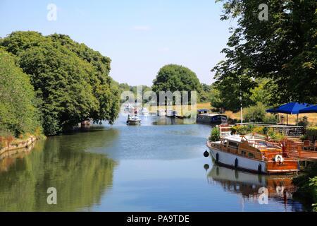 River Thames at The Nags Head Abingdon Oxfordshire UK - Stock Photo
